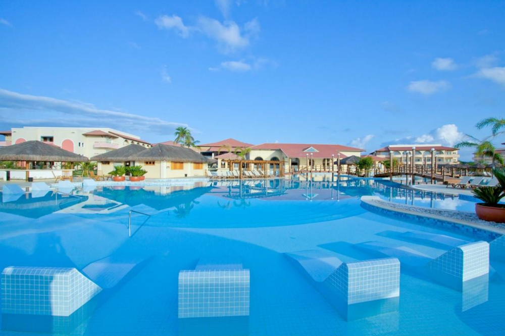 CARNAVAL -  GRAND PALLADIUM IMBASSAI RESORT & SPA